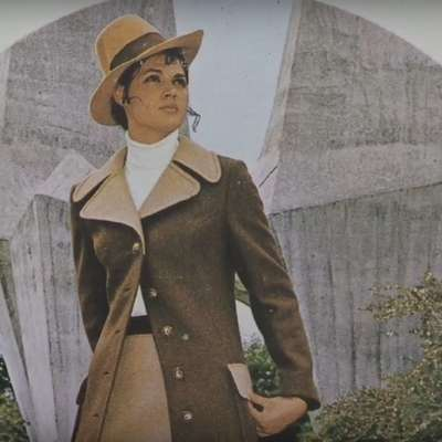 Ideal JE kreiral obleke za stevardese takratne Inex Adrie, za  nemški in celo angleški trg. Ter pošiljal kolekcije v butike po  vsej Jugoslaviji.  Foto: Pokrajinski arhiv Nova Gorica
