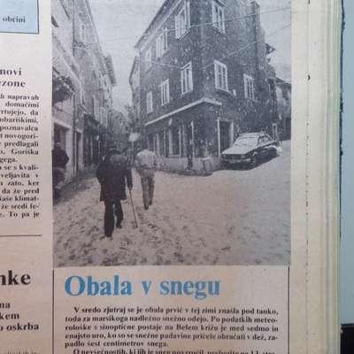 Sneg je konec februarja 1982 v Istri povzročil dve uri cestnih  zagat.