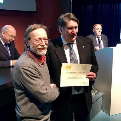 Vanja Dujc je prejel šampionski naziv za sortno oljčno olje iz itrane.  Foto: Sašo Dravinec