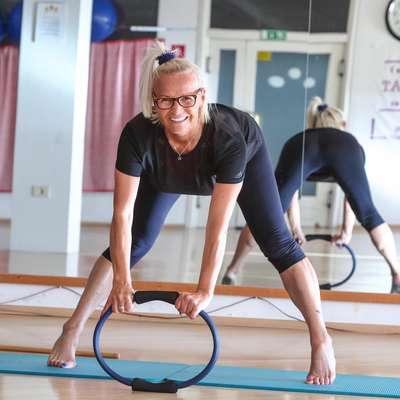 """Nada Blažek je že 13 let inštruktorica pilatesa. V tem """"šolskem letu"""" je imela 12 ur vadbe na teden. Foto: Tomaž Primožic/FPA"""