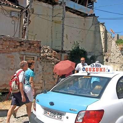 Bejrut? Ne, Ohrid! Le lučaj stran od urejenih ulic se skriva  beda makedonskega bisera.  Foto: Kristina Menih