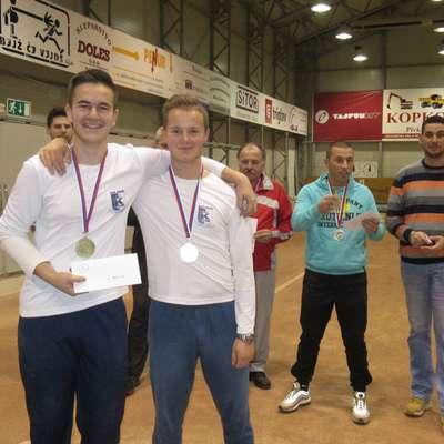 Erik Čeh (desno) in Žan Sodec, zmagovalca mednarodnega  turnirja v Pivki