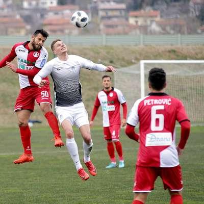 Ankaranski nogometaši se bodo v Krškem znova pomerili s  primerljivimi tekmeci, kot so bili pred tedni nogometaši Aluminija. Foto: Leo Caharija