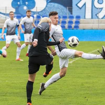 Ankarančani (v svetlih dresih) so si  v končnici tekme priigrali  točko. Foto: Jure Batagelj