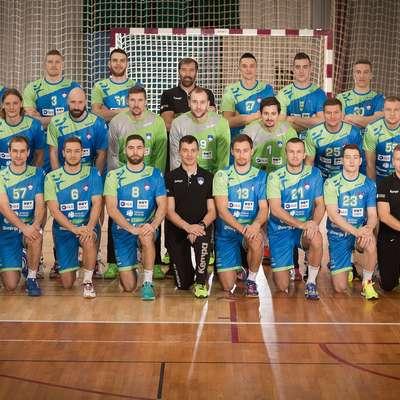Slovenska rokometna odprava za evropsko prvenstvo, ki je  medtem izgubila nekaj členov.