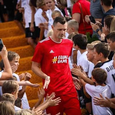 Milivoje Novaković, novi tehnični vodja strokovnega štaba A  reprezentance, se je po lanskem slovesu od aktivnega igranja  pojavil tudi na sobotni prireditvi v Biljah. Foto: STA