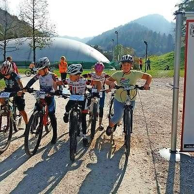 Na idrijskem otroškem kolesarskem izzivu je tekmovalo 111 otrok.  Foto: Mitja Novak