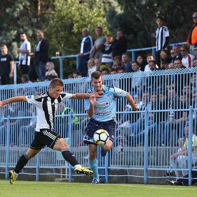 Dekančani so jeseni odigrali zelo dobro, najboljši strelec pa je  bil Luka Stepančič (desno). Foto: Zdravko Primožič/FPA