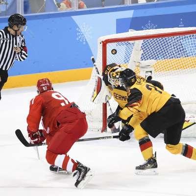 Tako je Nikita Gusev v zadnji minuti tekme zadel za podaljšek, v katerem so se Rusi izvlekli. Foto: Xinhua/STA