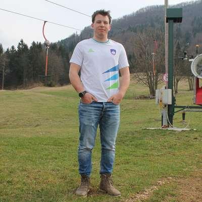 Matevž Rupnik na domačem smučišču Ski Bor. Foto: Igor Mušič