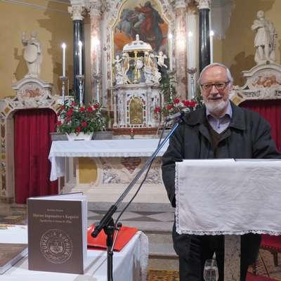 Božidar Premrl je na Prešernov dan v cerkvi sv. Elije v Koprivi  predstavil svojo novo knjigo. Foto: Petra Mezinec