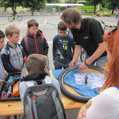 Celostno prometno strategijo in kolesarske poti  so pred dnevi  predstavili pred Krpanovim domom in na dogodek povabili tudi  otroke.