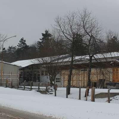 OMV Slovenija želi prodati svoj kompleks na Volaričevi ulici v  Postojni, ki že dlje časa ne služi več svojemu namenu.   Foto: Veronika Rupnik Ženko