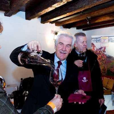 Izola danes gosti peti mednarodni festival vin Svet refoška, na  katerem bodo svoje proizvode predstavili vinarji iz slovenskih  vinorodnih okolišev Slovenska Istra in Kras. Foto: Jaka Jeraša