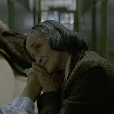 Ivanka  Mežan v filmu Vztrajanje Mihe Knifica.