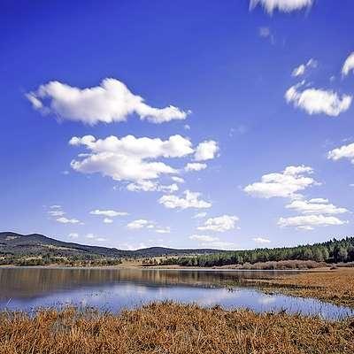 Palško jezero je največje izmed vseh Pivških presihajočih  jezer. Foto: Peter Truskinger