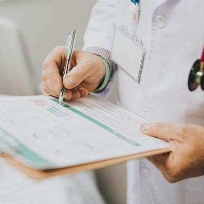 V slovenskih bolnišnicah je zaradi gripe ali v povezavi z njo umrlo  že več kot 160 ljudi. Foto: Rawpixel.com