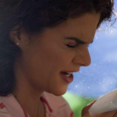Pokašljevanje, kihanje, pekoče grlo so prvi znaki prehlada, ki se  lahko pojavi v kateremkoli delu leta.   Foto: BKK