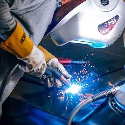 Zdravo delovno mesto obsega celovit sklop vseh vrst predpisov, ki  prispevajo k varnosti delavca in varujejo njegovo zdravje.  Foto: pixabay.com